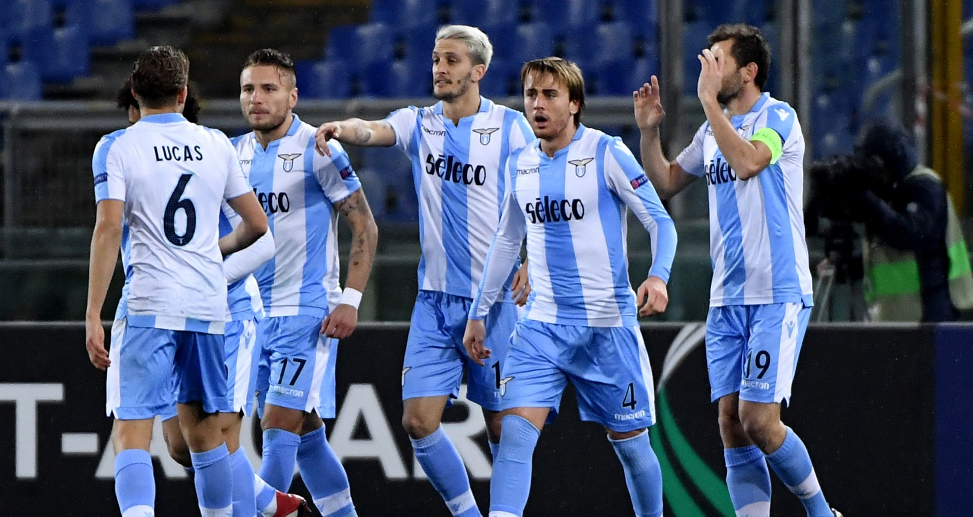 Lazio players celebrating Lazio Steaua Bucharest Europa League