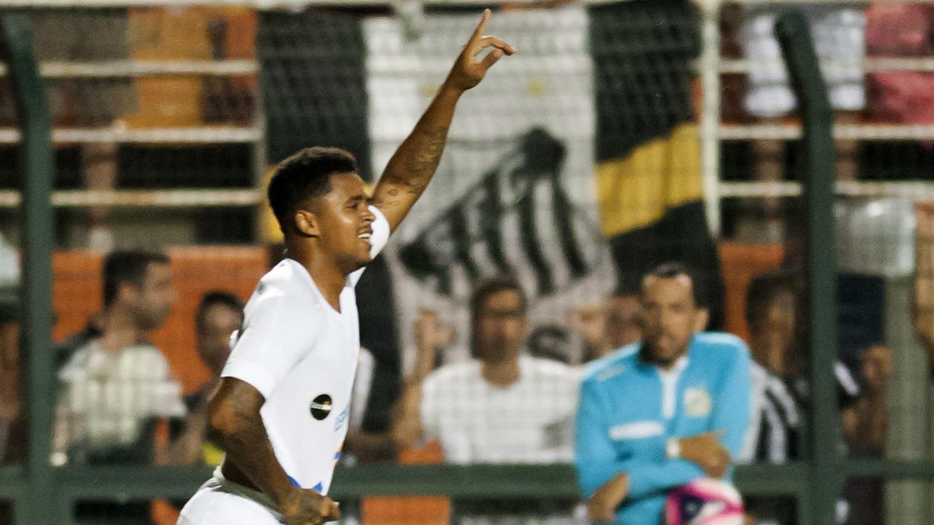 Atacante do Santos é flagrado em exame antidoping