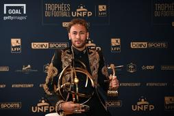 2017-2018 리그앙 올해의 선수상을 수상한 네이마르. 사진 = 게티이미지