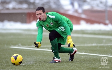 Thời đi học, Filip Nguyễn từng bị bạn bè lảng tránh vì... thích ăn mực khô | Goal.com