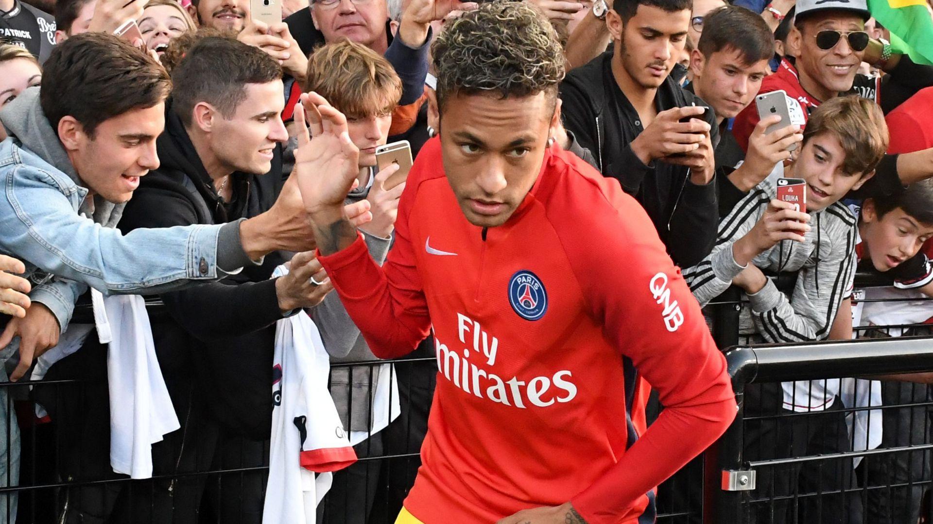 Neymar se lució con una 'bicicleta' en la victoria del PSG