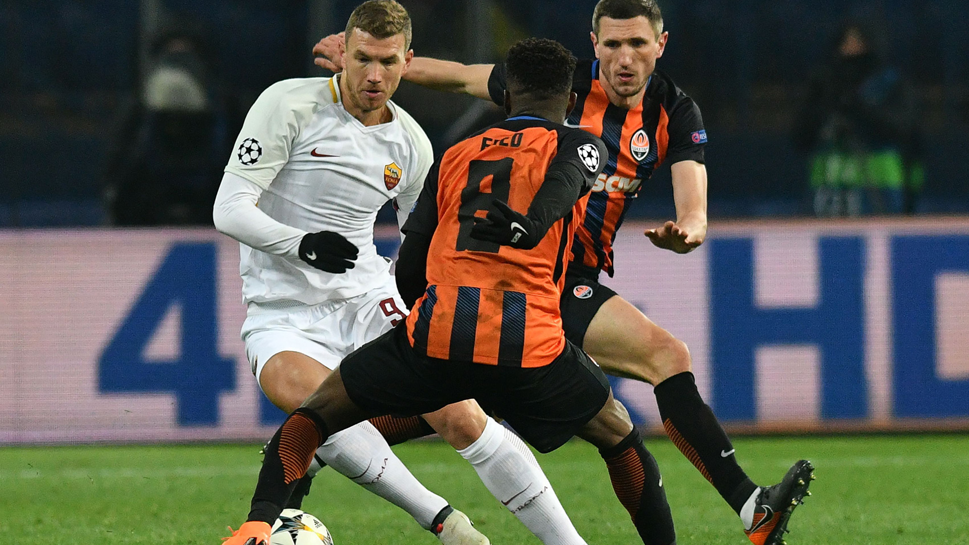 Edin Dzeko Shakhtar Roma Champions League
