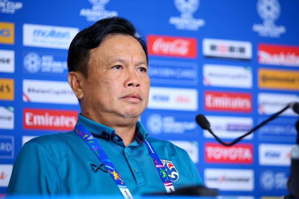 ผลการค้นหารูปภาพสำหรับ โค้ชโต่ยหวังพาช้างศึกคว่ำจีนลิ่ว 8 ทีมเอเชียนคัพ