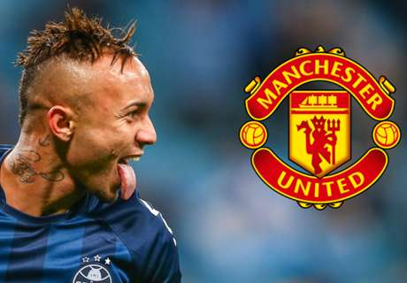 Gremio star hints at Man Utd interest