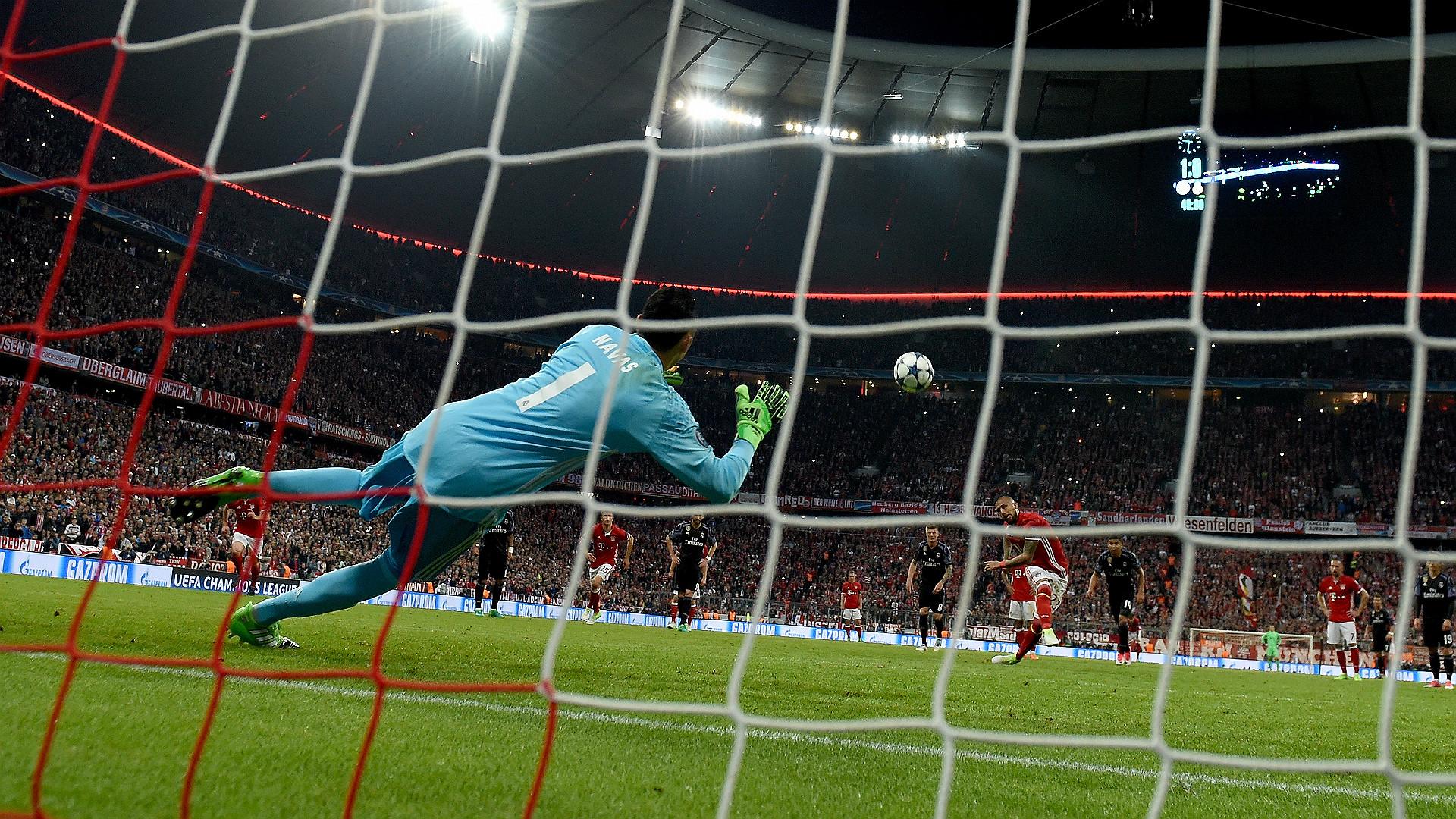 Keylor Navas Arturo Vidal Penalty Bayern Munchen Real Madrid UEFA Champions League