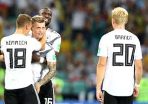 Deutschland wird gegen Schweden früh geschockt, kommt aber stark aus der Kabine und dreht das Spiel. Joshua Kimmich überzeugt, Marco Reus und Toni Kroos entscheiden die Partie. Die Einzelkritik. (Quelle: SID)