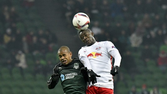 Joaozinho of FC Krasnodar in action against Diadie Samassekou of FC Salzburg