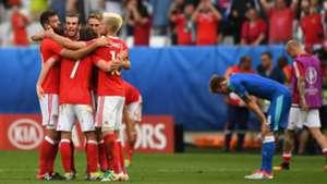 Wales celebrate vs Slovakia