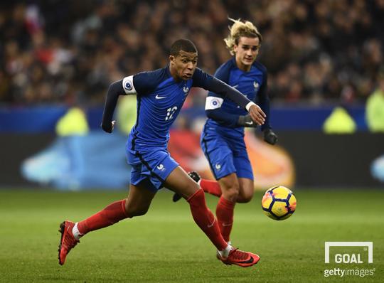 Kanté eleito futebolista francês do ano