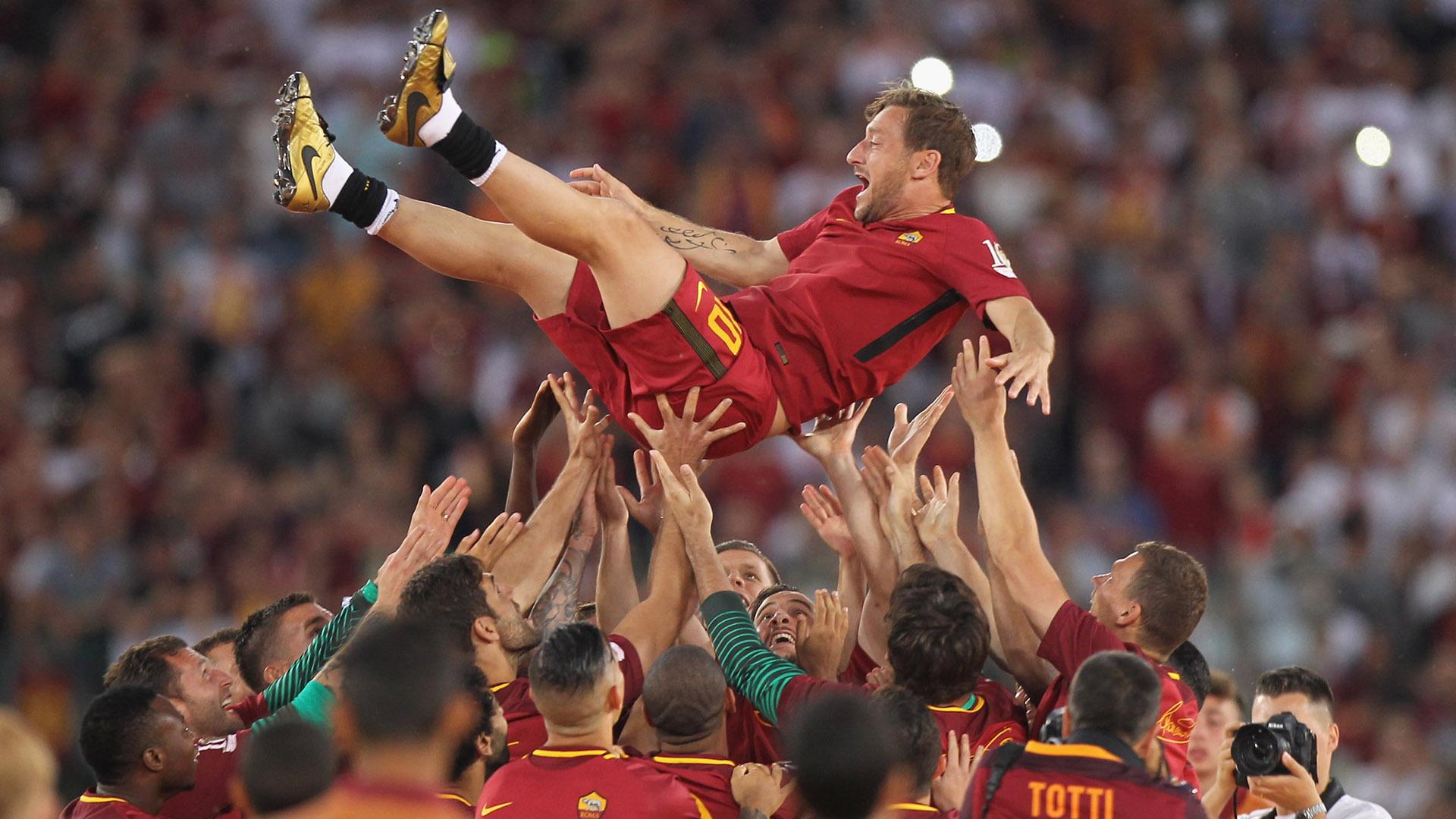 Francesco Totti da l' addio al calcio