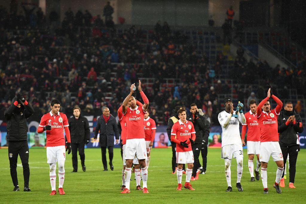 Basilea supera a Benfica y clasifica