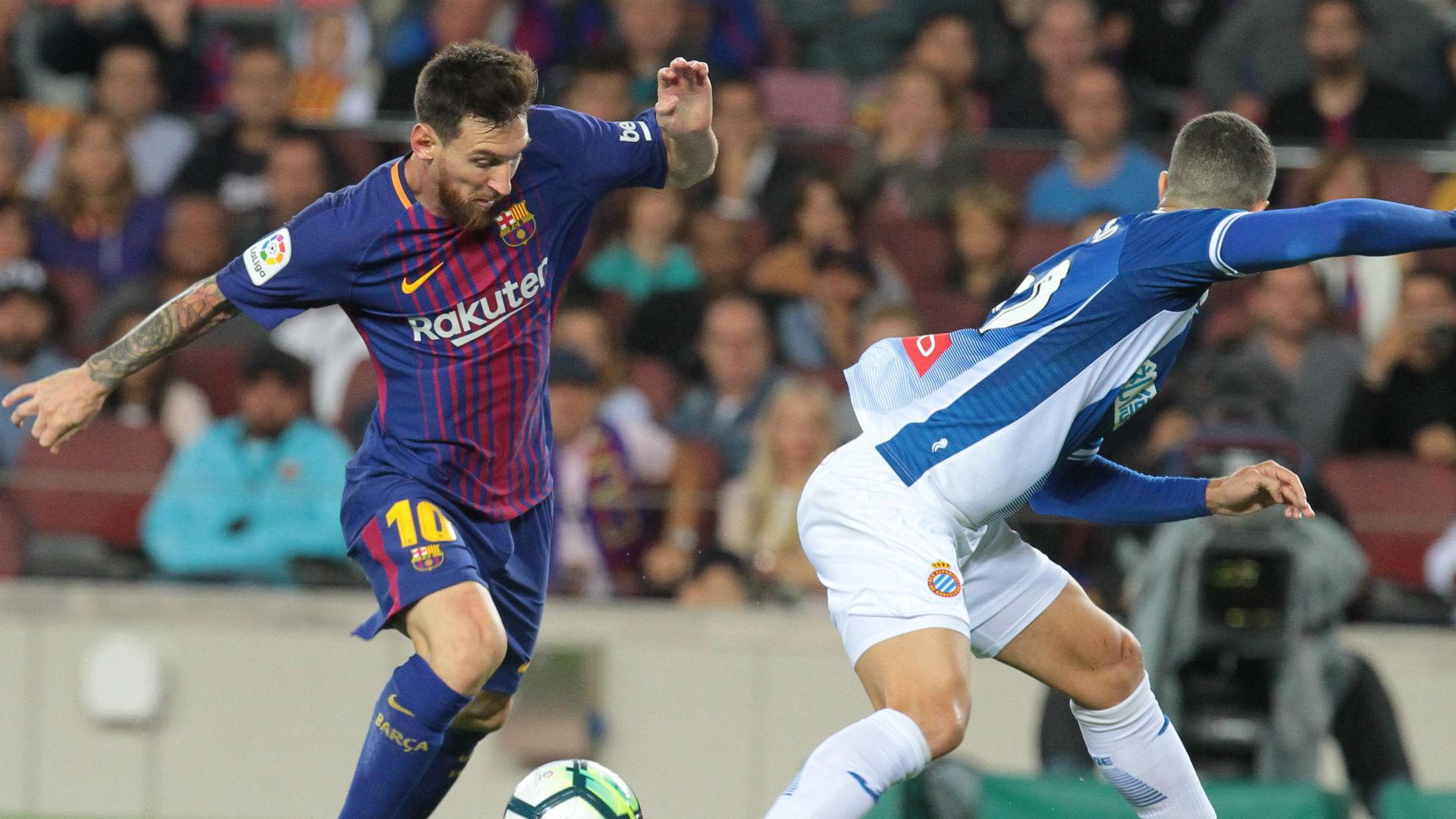 Barcelona busca empate com Espanyol com gol de Piqué no final