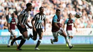 Chicharito West Ham Newcastle