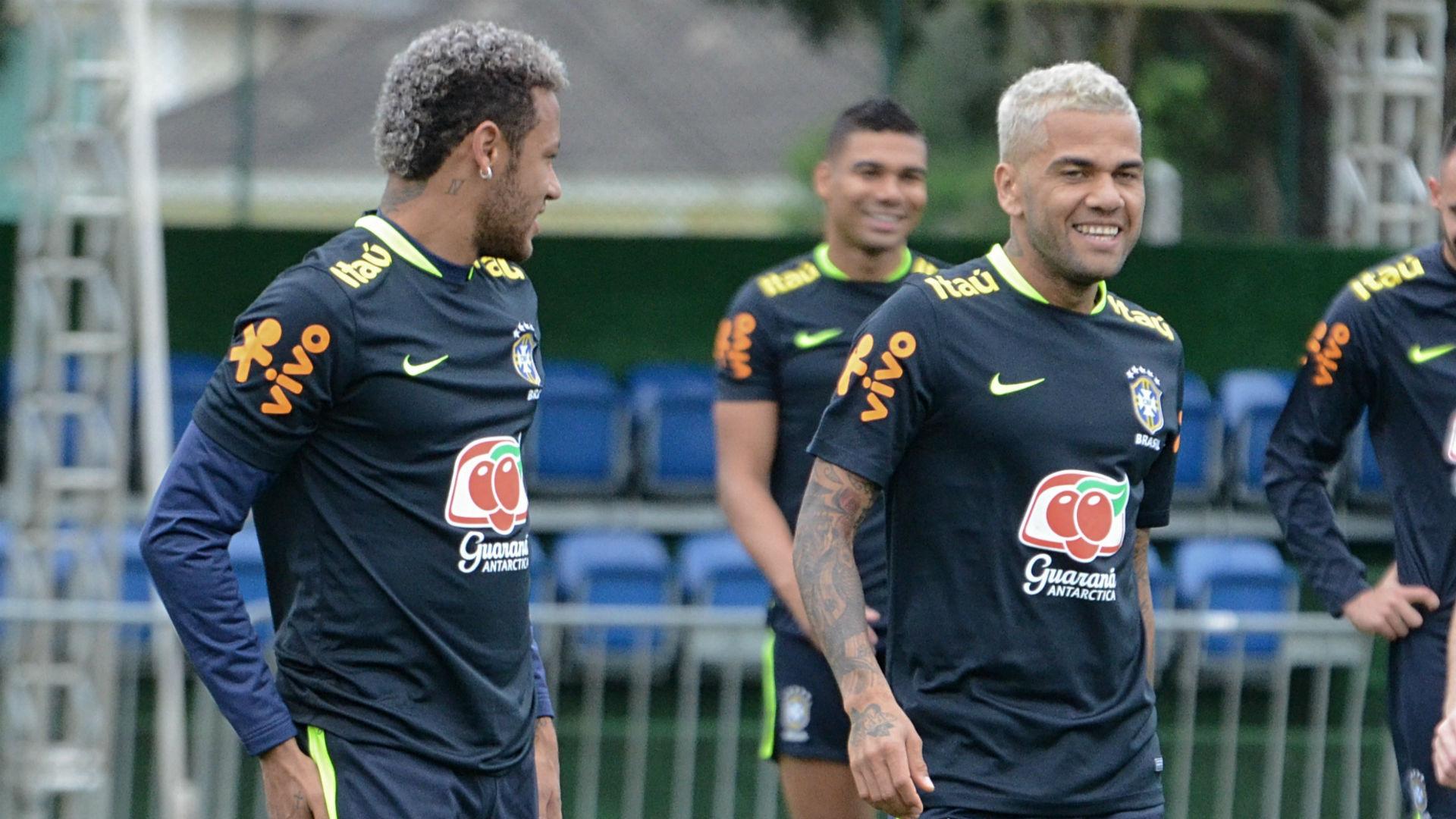 Neymar Daniel Alves Seleção Brasil treino 04 10 2017