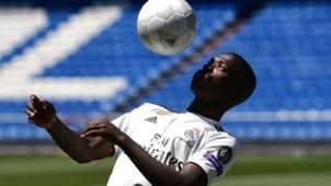 Vinicius Junior Real Madrid apresentação 20 07 18
