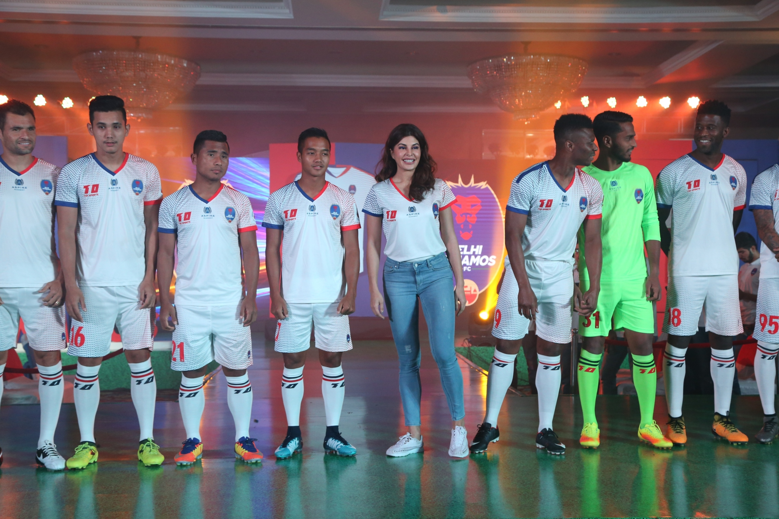 Jacqueline Fernandez with Delhi Dynamos team