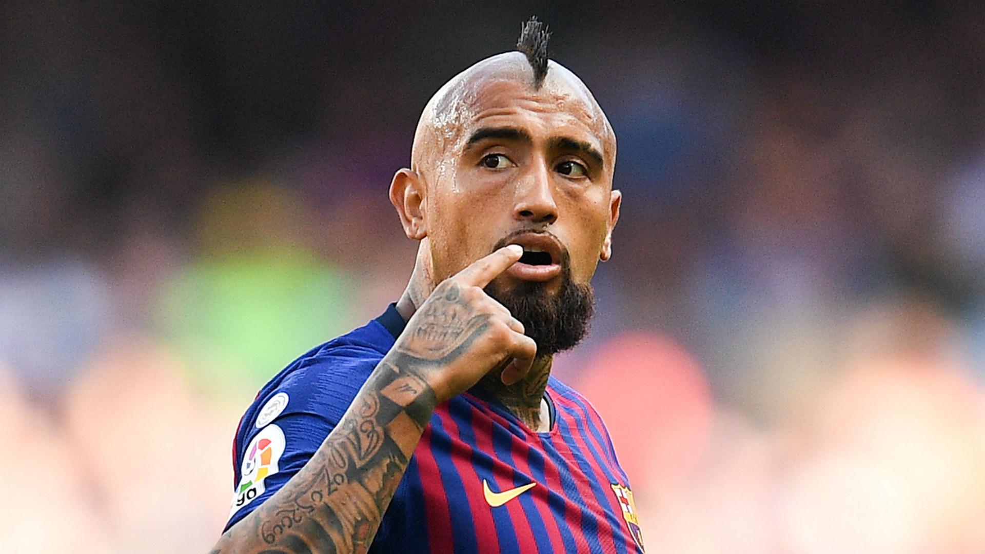 Barcelonas Hijacking Of Arturo Vidal From Inter Has Backfired Badly Goal Com
