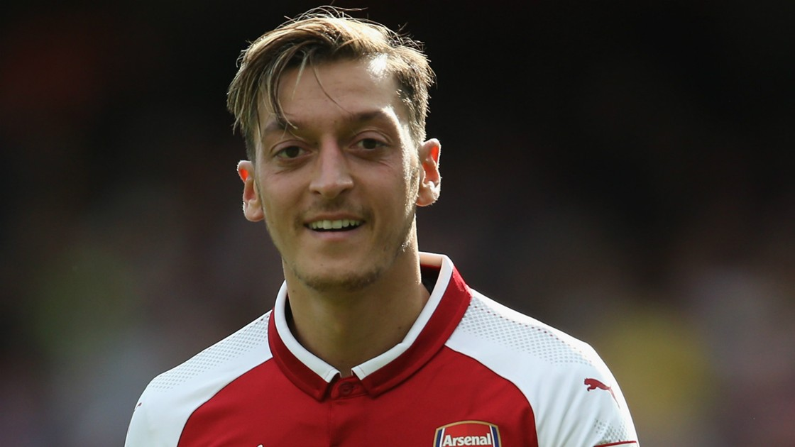 https://images.performgroup.com/di/library/GOAL/f6/83/mesut-ozil-arsenal_1duibswe5zxmz1ac3d60m43fqy.jpg?t=-1702271795&quality=90&h=630