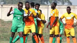 Muhoroni Youth v Gor Mahia players.