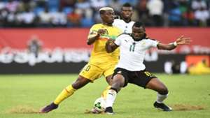 Ghana's midfielder Mubarak Wakaso and Mali's midfielder Yves Bissouma during the 2017 Africa Cup of Nations