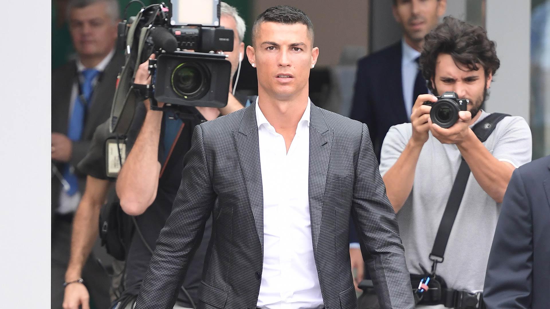 Show e invasione a Villar Perosa: Ronaldo ha già conquistato la Juve