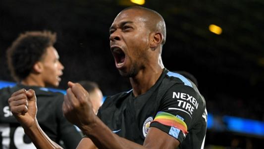 Fernandinho seals extended Manchester City contract