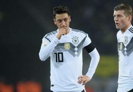 So reagiert Özil auf die Glückwünsche des DFB-Teams