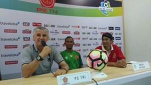 Ivan Kolev dan Stevan Imbiri PS TNI