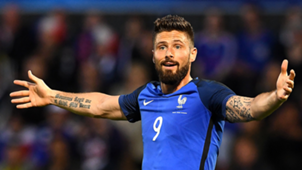 Giroud appeals to the referee
