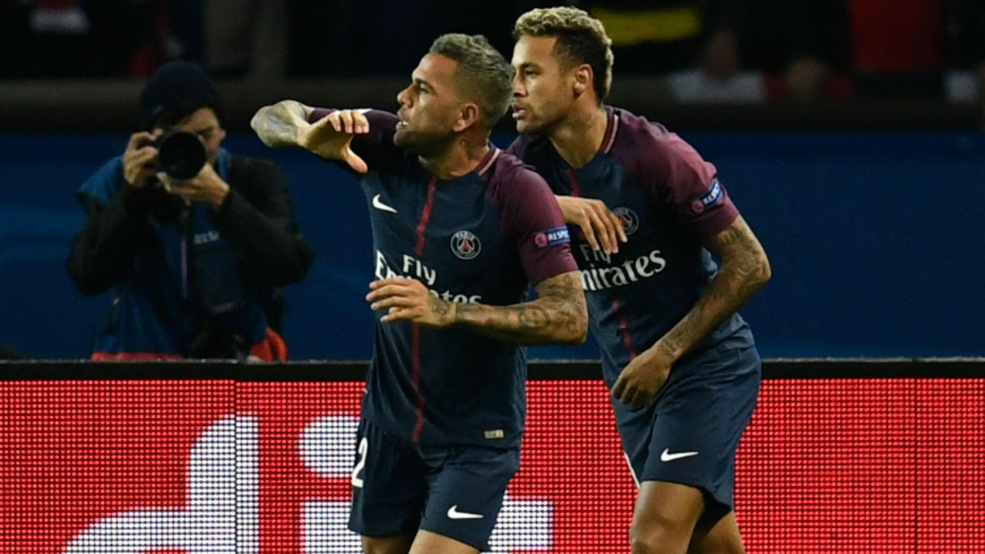 Daniel Alves Neymar PSG Bayern UEFA Champions League 27092017