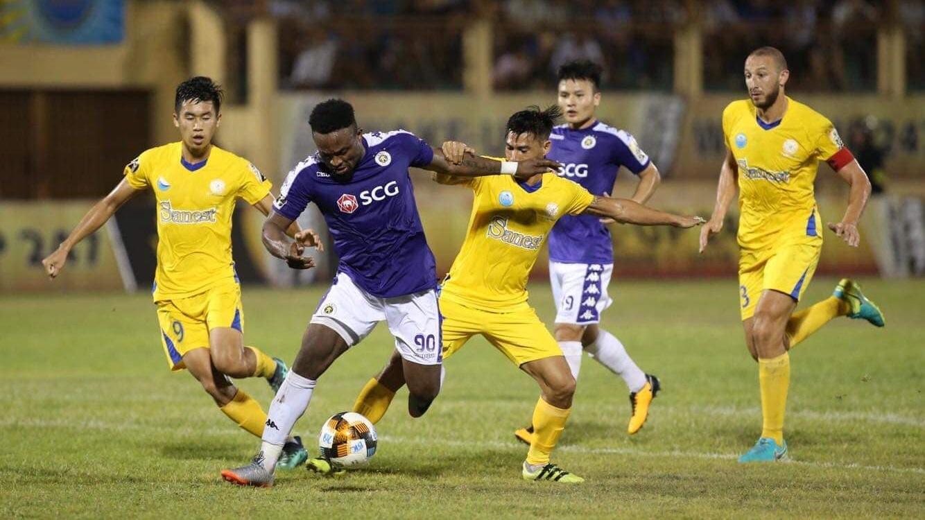 Ganiyu Oseni vs Chaher Zarour Sanna Khanh Hoa BVN Ha Noi FC Round 5 V.League 2019