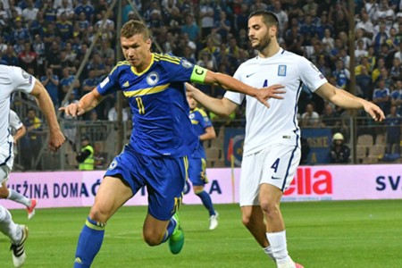 Edin Dzeko Kostas Manolas Bosnia Greece