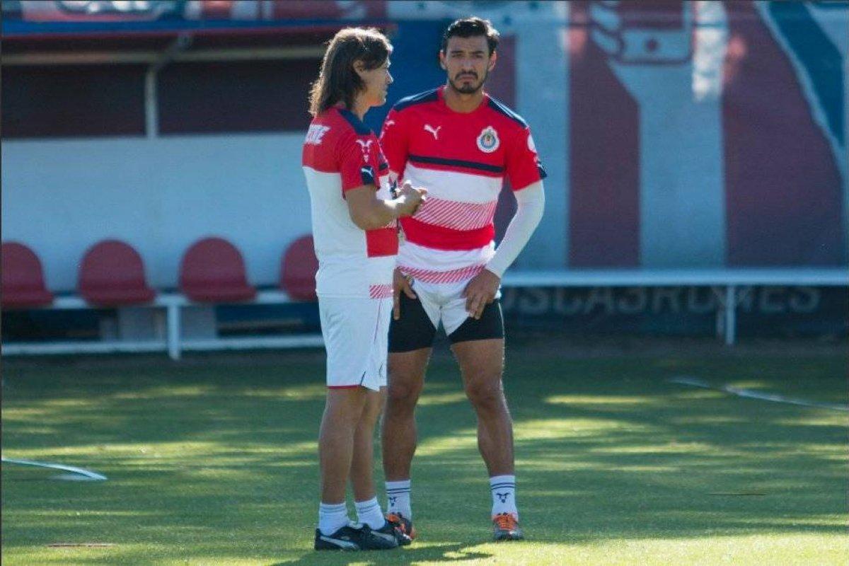 Oswaldo Alanís y Matías Almeyda se reencontrarían en San Jose