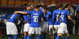 Italian players celebrating Italy U21 Tunisia U21