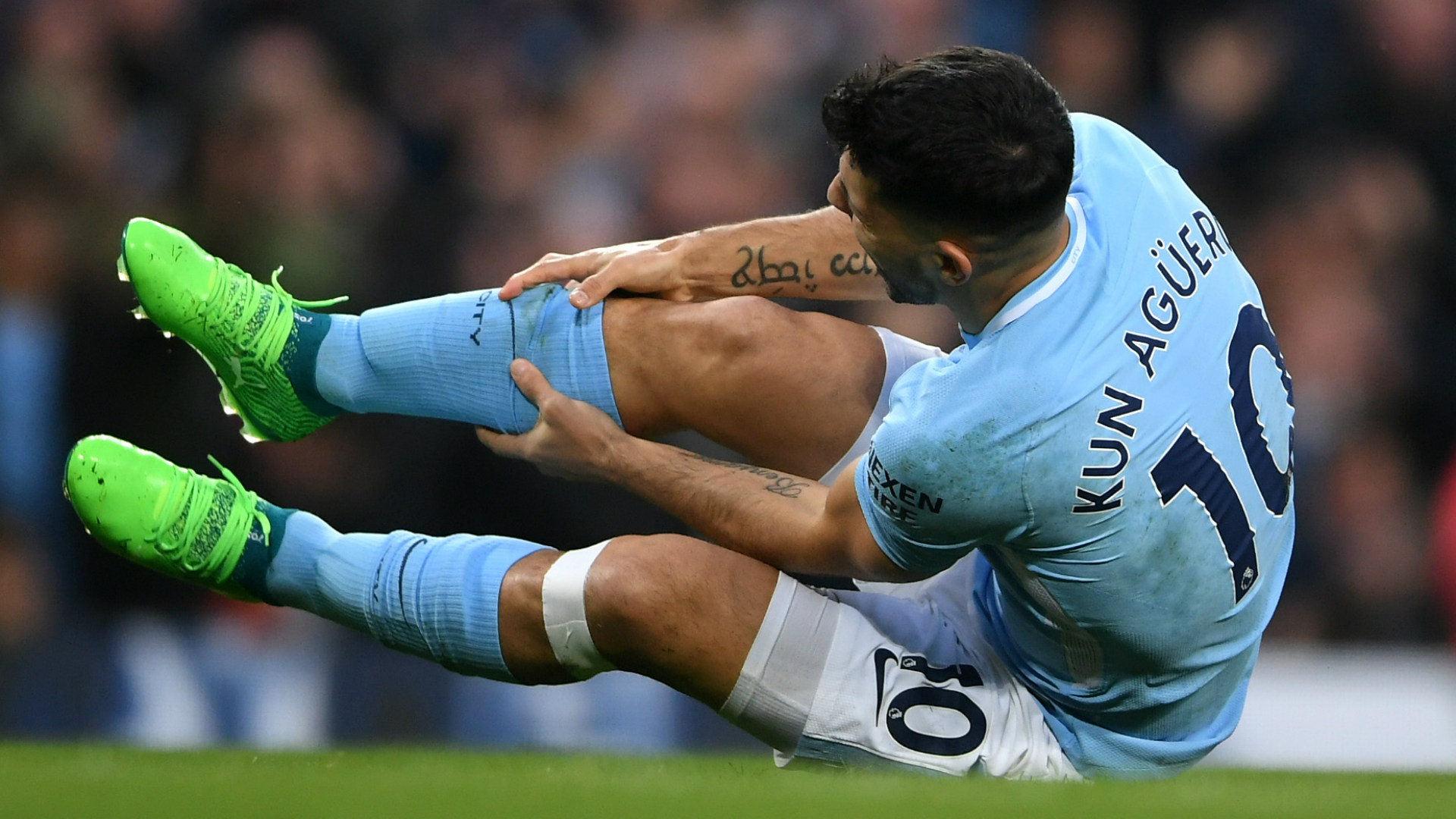 Man City striker Sergio Aguero confirms knee surgery