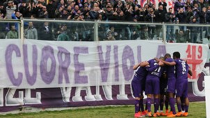 Fiorentina celebrating Fiorentina Crotone Serie A