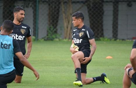 Everton participa de treino do São Paulo