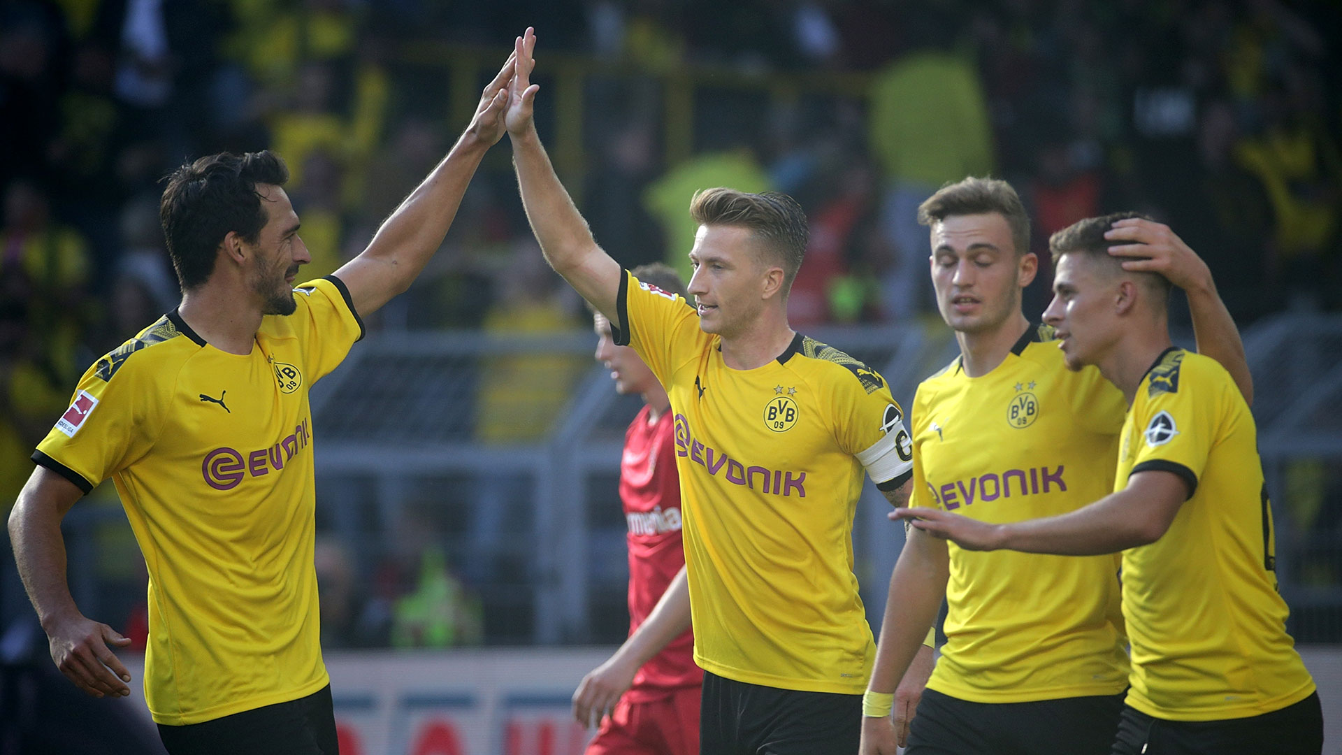 Dortmund Goal Celebration v Leverkusen 09152019