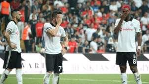 Frustrated Besiktas players vs Antalyaspor 08262018