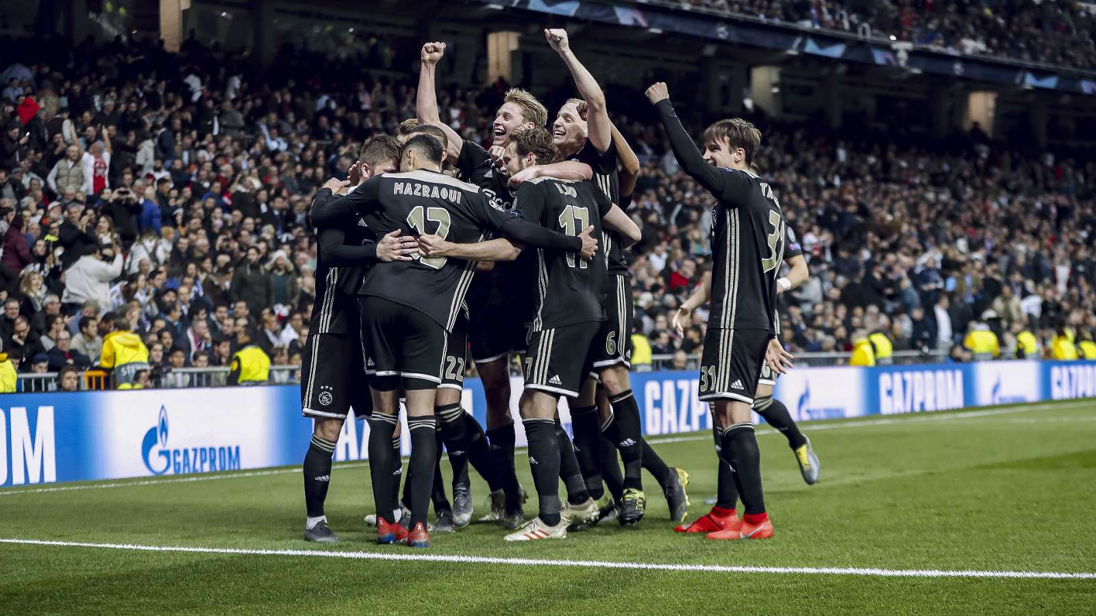 Real Madrid-Ajax Amsterdam (1-4) : Le triple champion d'Europe en titre sort par la petite porte