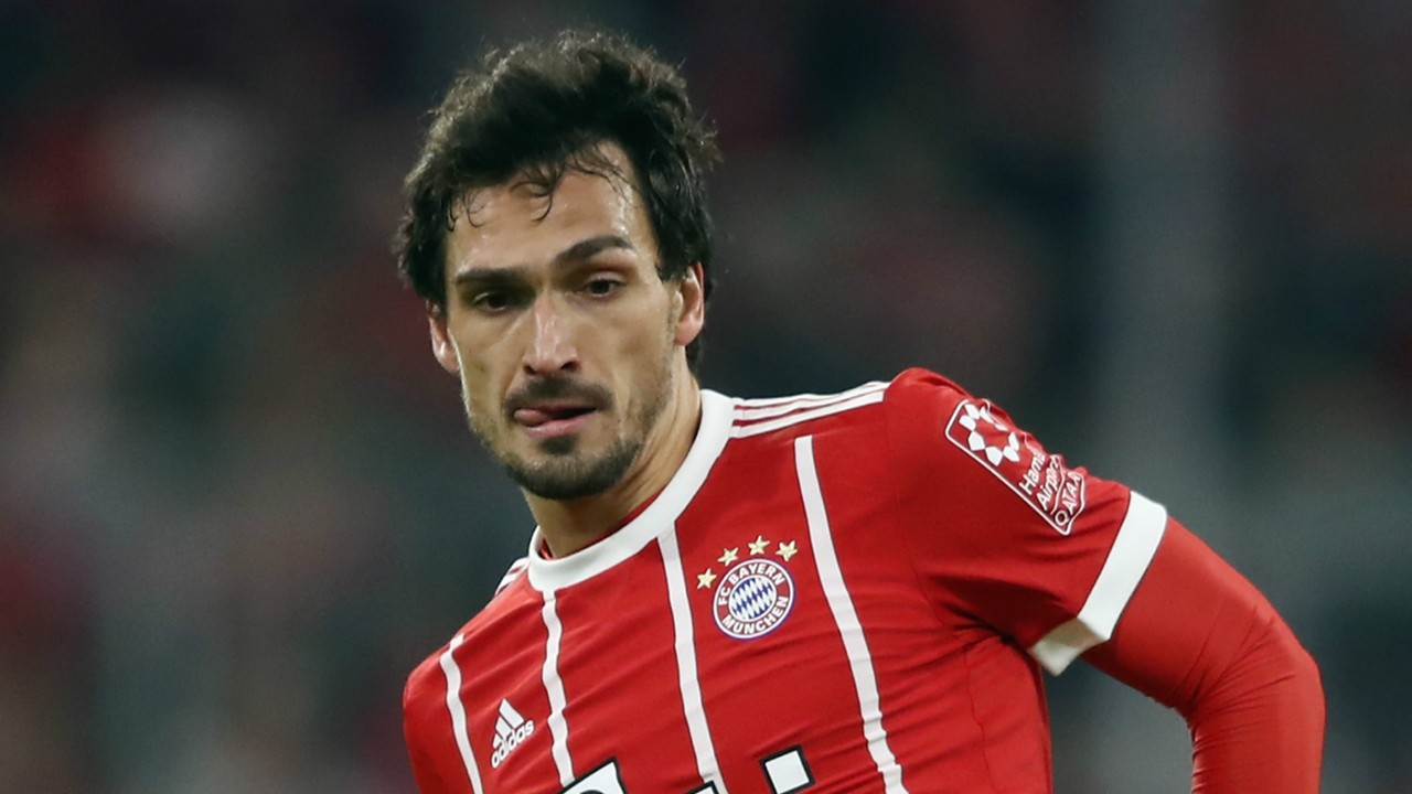 Bayern Munich News Mats Hummels cuts holes in his boots to help