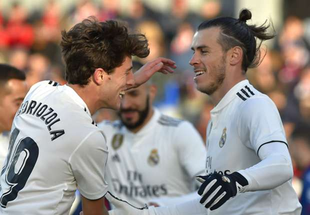 6a822c65f أودريوزلا: من الصعب لعب كرة القدم في مثل هذا الطقس. Odriozola Gareth Bale  Huesca Real Madrid LaLiga 09122018