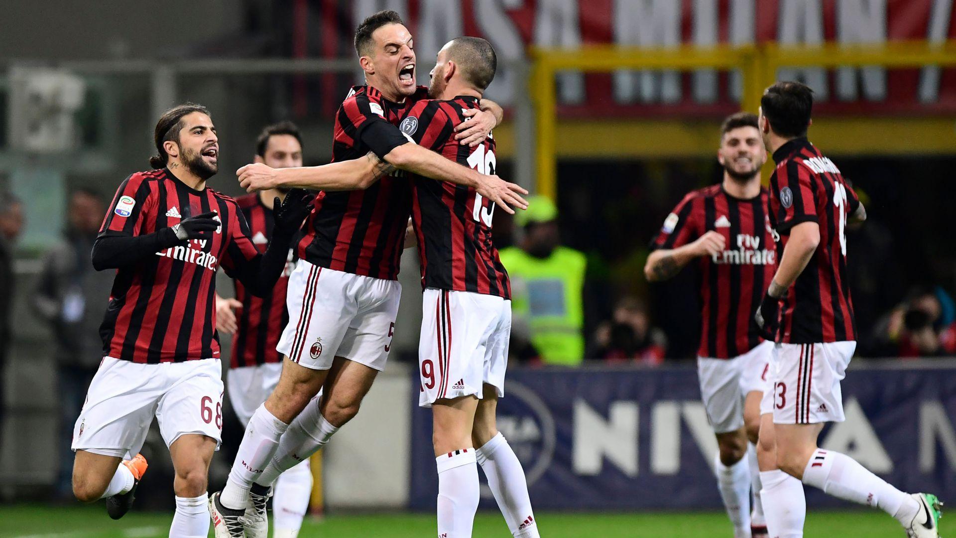 Milan celebrates Giacomo Bonaventura goal vs. Sampdoria 18022018