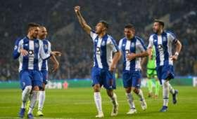Tecatito Corona Porto Schalke