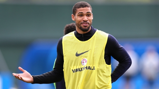Hodgson: Loftus-Cheek has 'more strings to his bow' than Ballack