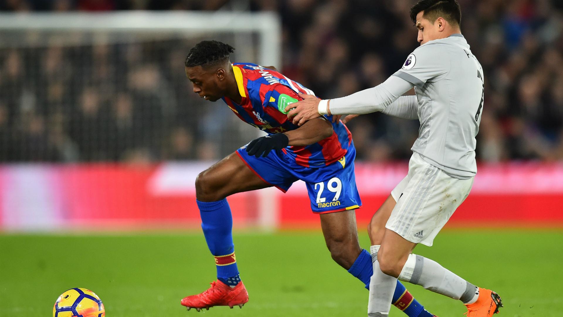 Aaron Wan-Bissaka Alexis Sanchez Crystal Palace Manchester United