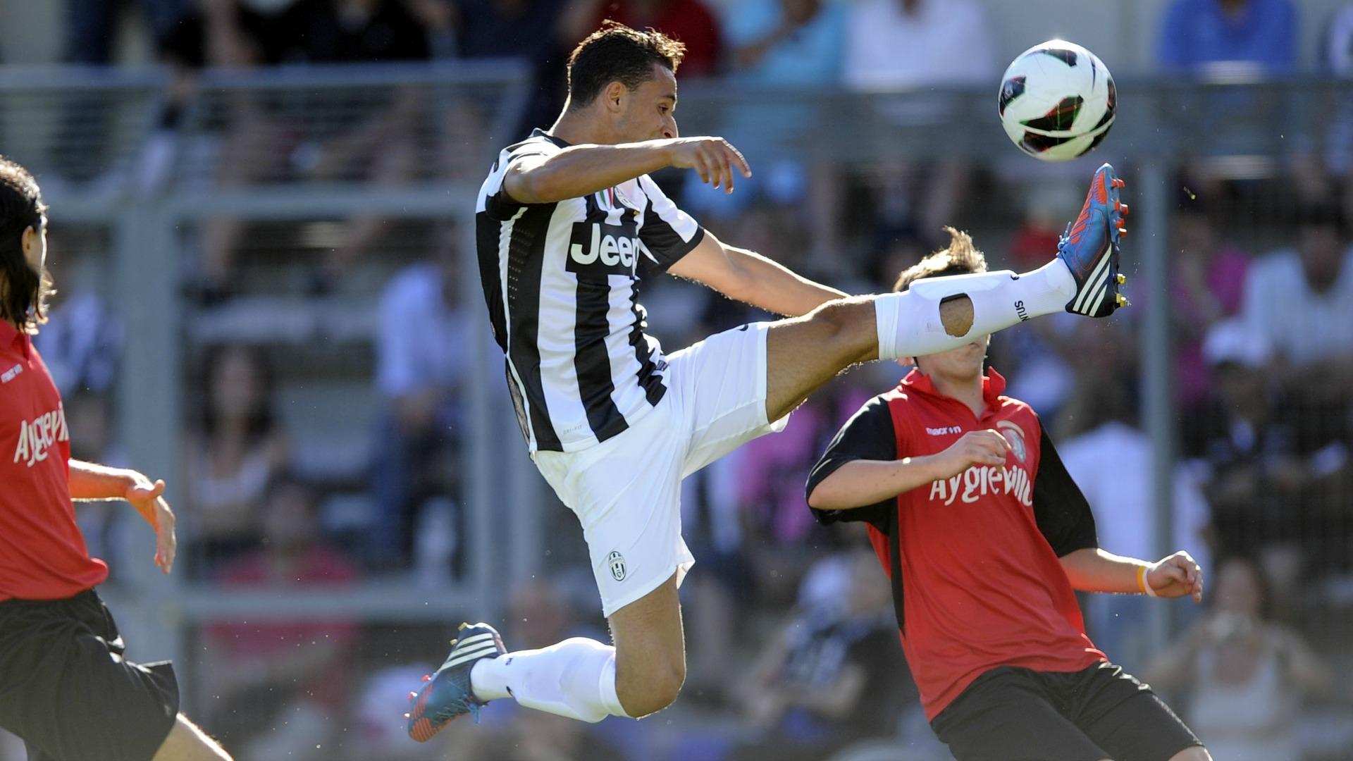 Ufficiale: Leeds, l'ex Juve Bouy subito in prestito al Cultural Leonesa