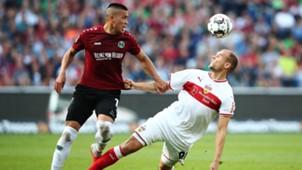 Bobby Wood Holger Badstuber Hannover 96 VfB Stuttgart Bundesliga 06102018