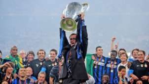 27 Jose Mourinho Inter Milan Champions League trophy