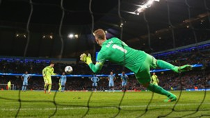 Joe Hart Lionel Messi Manchester City Barcelona Champions League 24022015